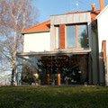 Elegantni terasa glasoase s markyzou a svetelnymi panely led zastreseni terasy 13