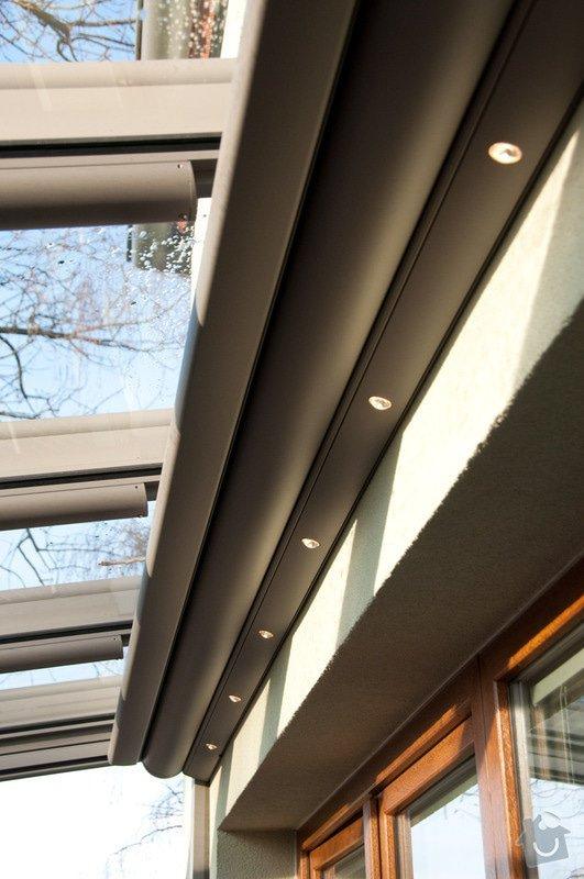 Elegantní terasa Glasoase s markýzou a světelnými panely LED: zastreseni-terasy_14