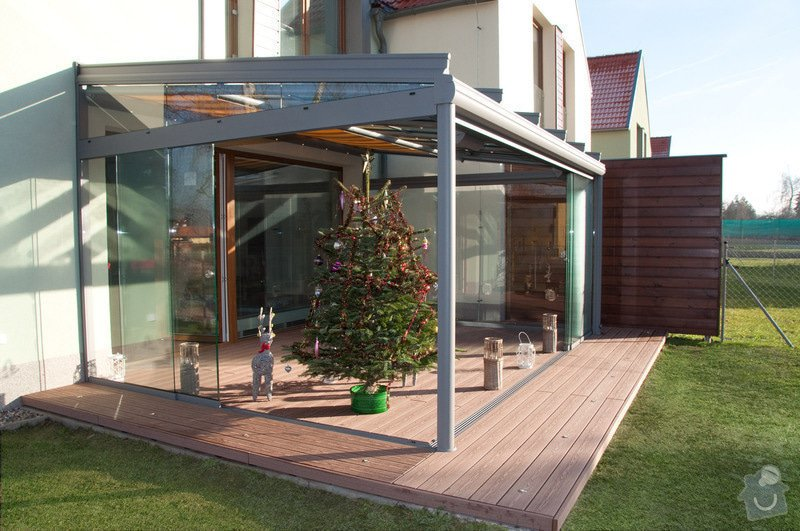 Elegantní terasa Glasoase s markýzou a světelnými panely LED: zastreseni-terasy_15