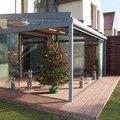 Elegantni terasa glasoase s markyzou a svetelnymi panely led zastreseni terasy 15