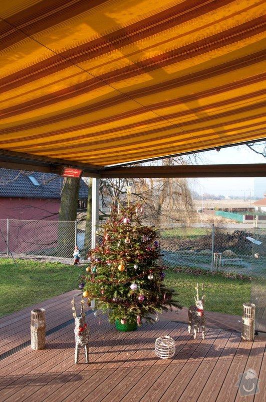 Elegantní terasa Glasoase s markýzou a světelnými panely LED: zastreseni-terasy_17