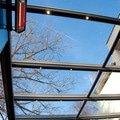 Elegantni terasa glasoase s markyzou a svetelnymi panely led zastreseni terasy 19