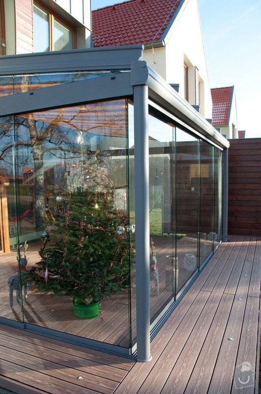 Elegantní terasa Glasoase s markýzou a světelnými panely LED: zastreseni-terasy_22