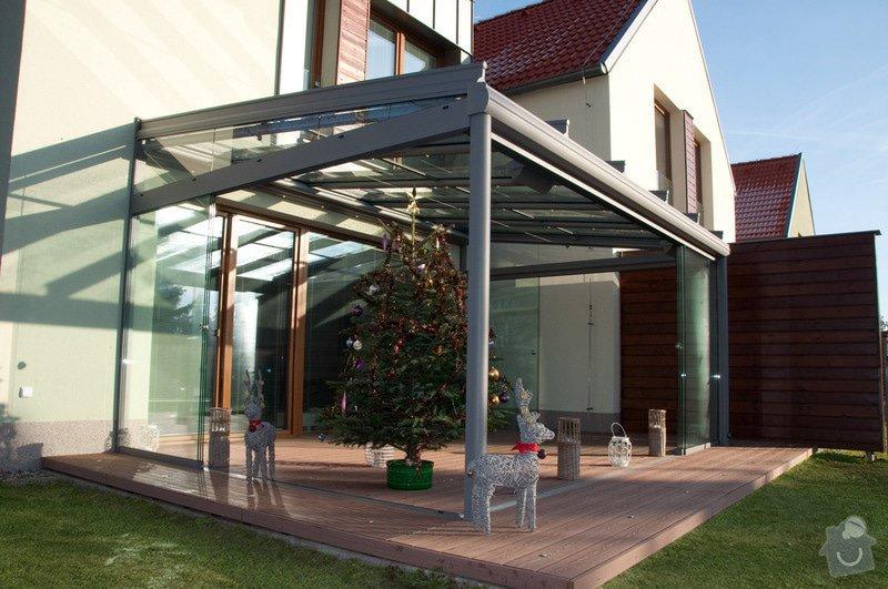 Elegantní terasa Glasoase s markýzou a světelnými panely LED: zastreseni-terasy_24