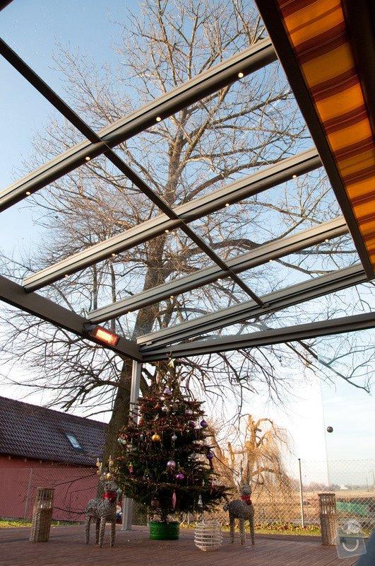 Elegantní terasa Glasoase s markýzou a světelnými panely LED: zastreseni-terasy_27