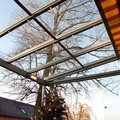 Elegantni terasa glasoase s markyzou a svetelnymi panely led zastreseni terasy 27