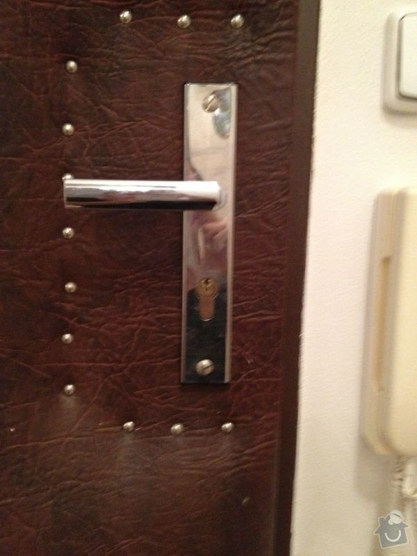 Výměna vložky zámku vstupních dveří do bytu: IMG_0963