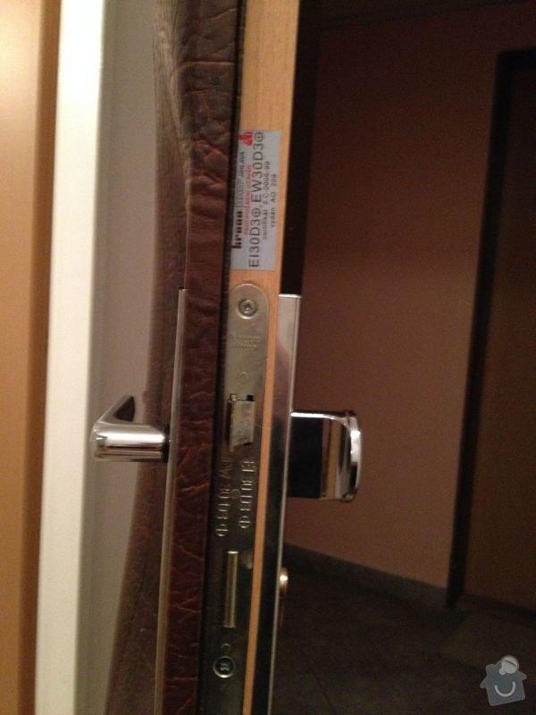 Výměna vložky zámku vstupních dveří do bytu: IMG_0965