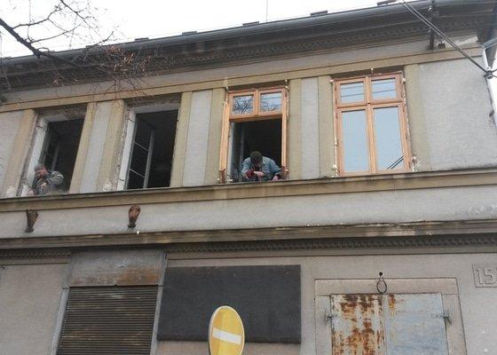 Dřevěná Ven otevíraná okna s izolačním dvojsklem