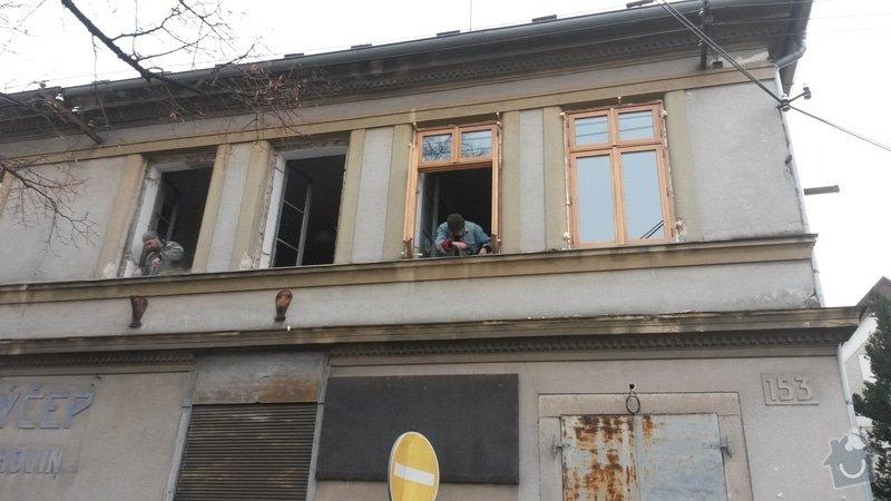 Dřevěná Ven otevíraná okna s izolačním dvojsklem: 20131205_135643