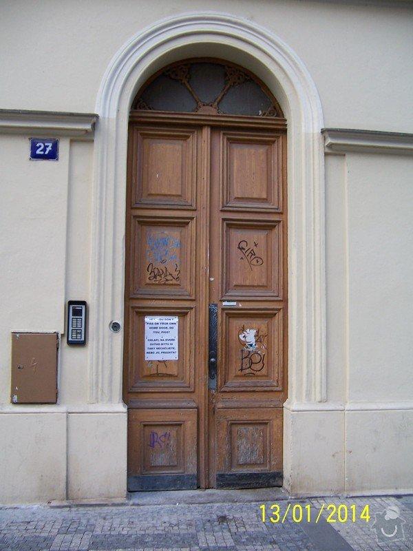Repase vchodových dřevěných dveří: 100_3269
