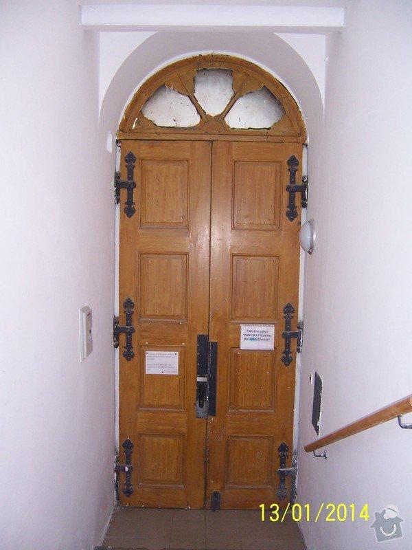 Repase vchodových dřevěných dveří: 100_3267