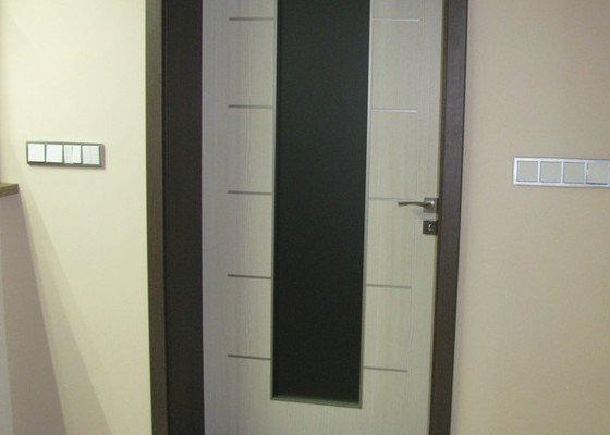 Dodávka a montáž vnitřních dveří vč.obložkových zárubní-RD Slabce
