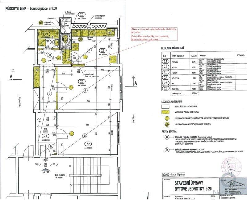Poptávám rekonstrukci bytu se změnou dispozice ze současného 2+1 na 3+kk.: bouraci_prace1