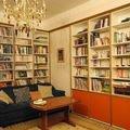 Rekonstrukce a prestavba rodinneho domu knihovna   realizace