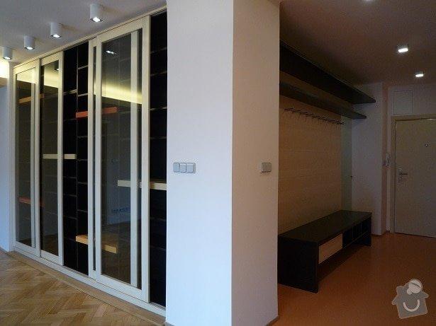 Rekonstrukce a interier bytu: knohovna_a_predsin