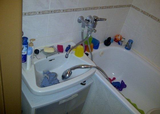 REKONSTRUKCE koupelny,WC,komory + kuchyně a chodby