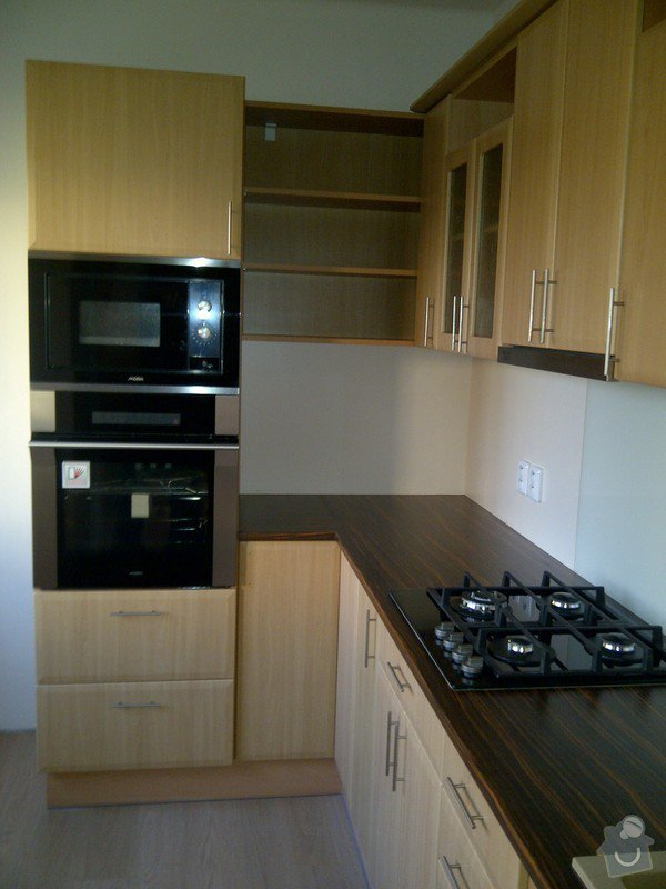 REKONSTRUKCE koupelny,WC,komory + kuchyně a chodby: IMG-20131107-01479