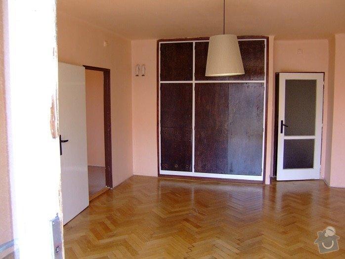 Rekonstrukce a interier bytu: stena_s_knihovnou_-_puvodni_stav