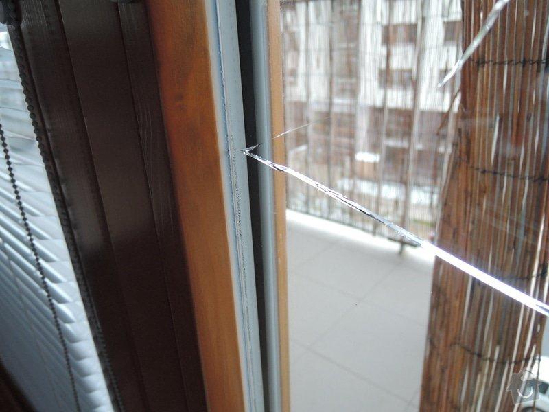 Vymena praskleho izolacniho 2 skla u okna: DSCN2309