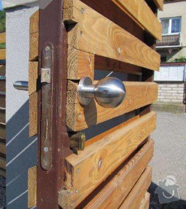 Kompletní stavba RD, dřevostavba: branka