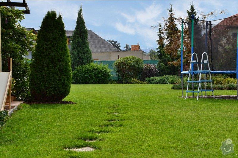Pravidelná údržba zahrady: upravenaDSC_0163