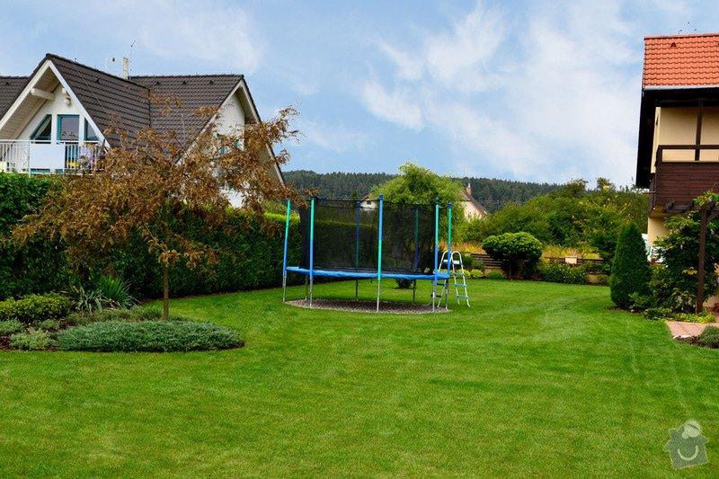 Pravidelná údržba zahrady: upravenaDSC_0151