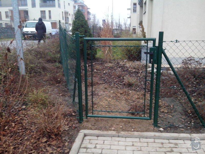Oplocení Zbraslav: oploceni_Zbraslav_branka
