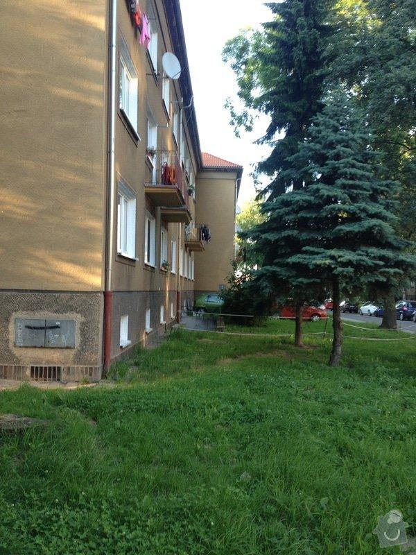 Zateplení štítu bytového domu 3 patrového : odfskoceni_domu_a_druha_polovina_stitu