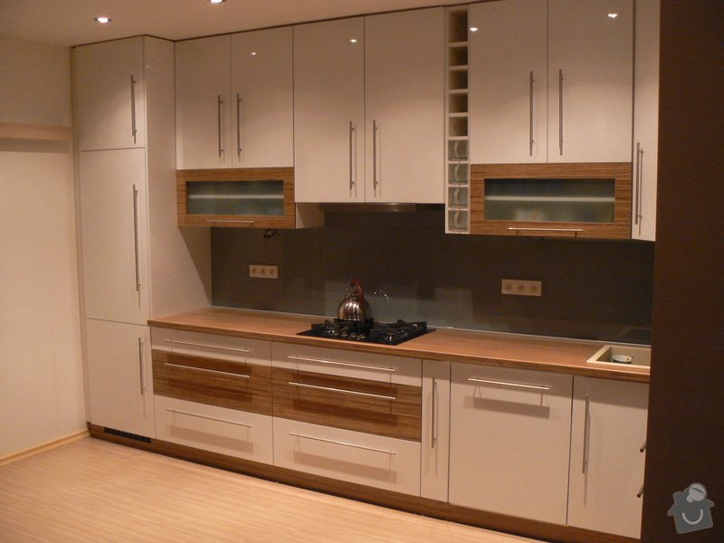 Výroba kuchyňské linky: P1100588