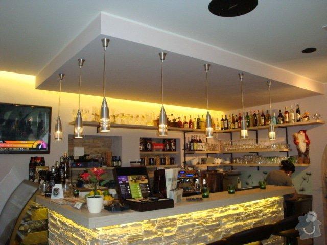 Podhledy,předstěny na baru Cafe Brussel: DSC04454