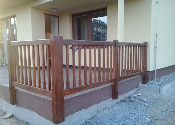 Dřevěné zábradlí na terasu