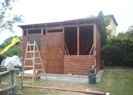 Zahradní domek na nářadí a bazénovou filtraci