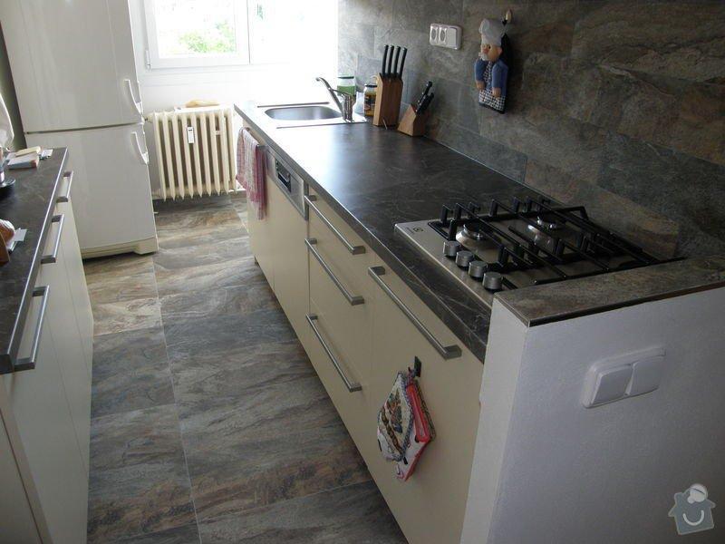 Dlažba a obklady v kuchyni panelového bytu: P6211772