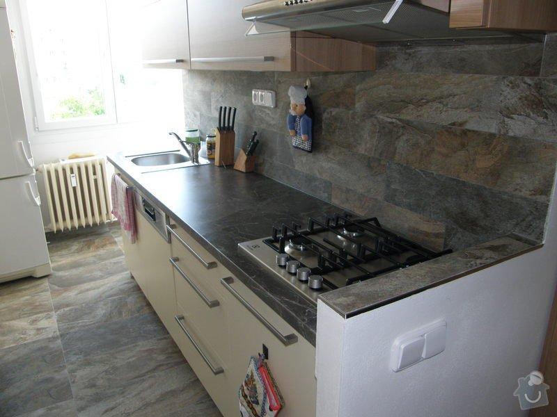 Dlažba a obklady v kuchyni panelového bytu: P6211773