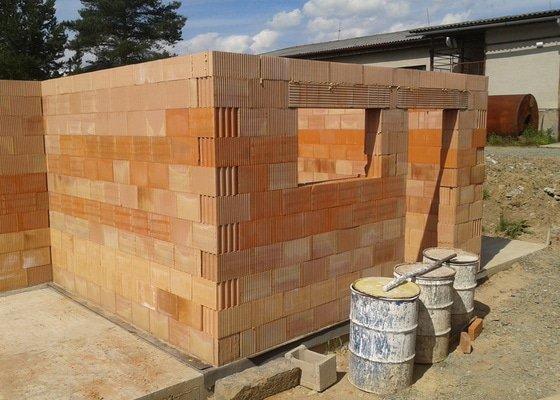Výstavba hr. stavby garáže - Porotherm 24 Dryfix