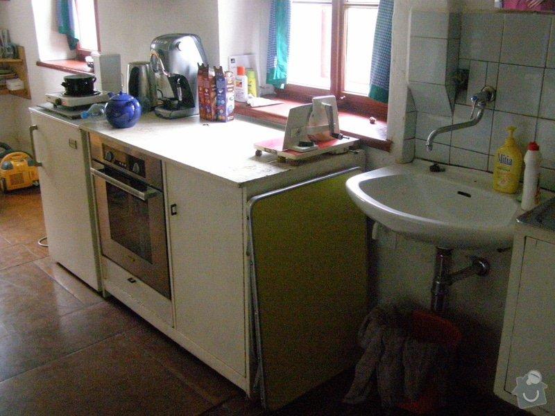 Skříňky a poličky do kuchyně: P5110058