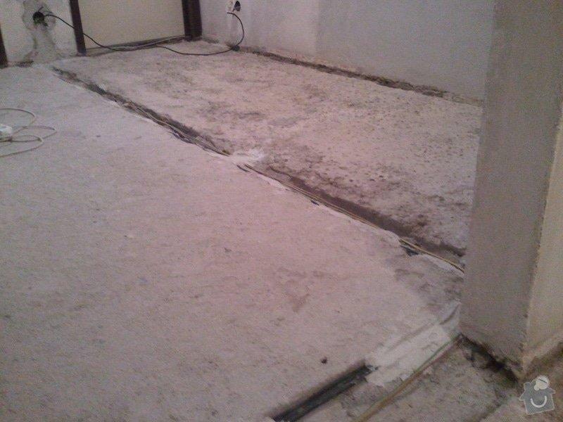 Vyrovnani betonove podlahy 15m2 (chodba v panelaku 7p.): 20130619_094424