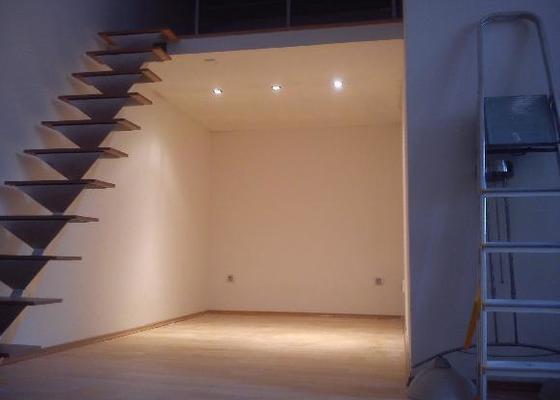 Patro na spaní, schody,osvětlení,zábradlí, podium.