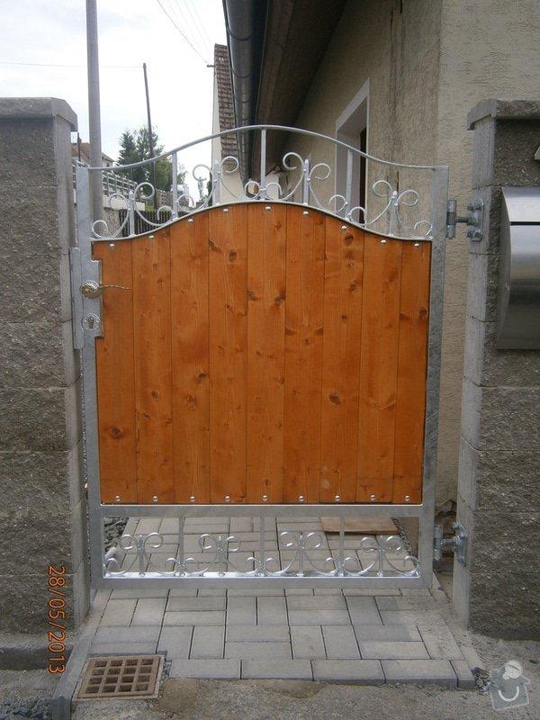 Dvoukřídlá brána a branka: P5281358