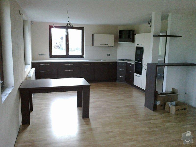 Výroba, montáž kuchyně: 06052012142
