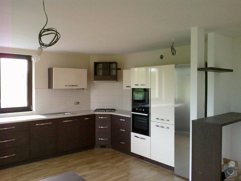 Výroba, montáž kuchyně: 06052012144