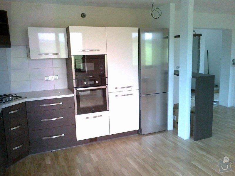 Výroba, montáž kuchyně: 06052012145