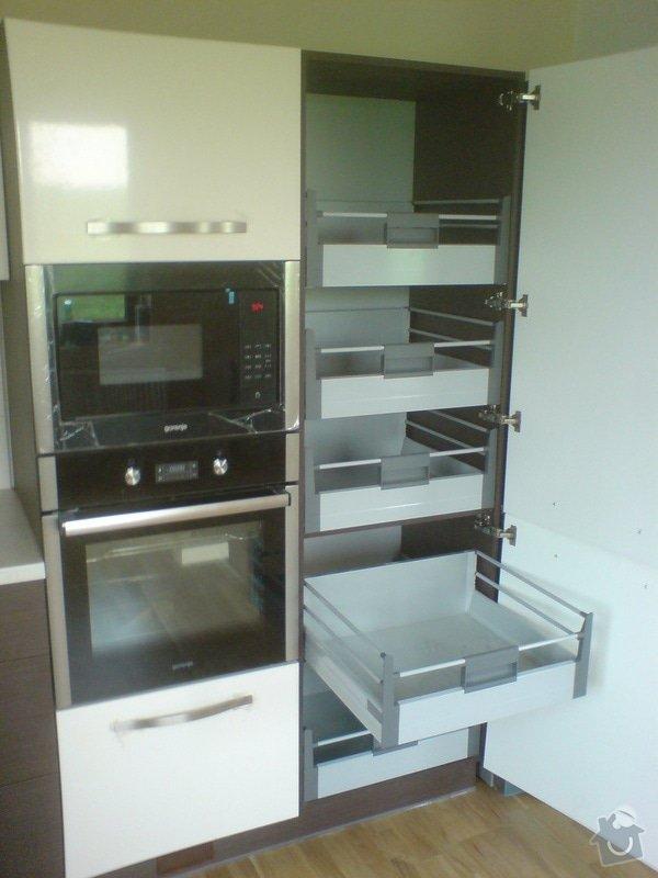 Výroba, montáž kuchyně: DSC00303