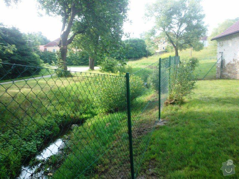 Oplocení zahrady Šebanov: dratene_oploceni_Sebanov_okr._Cesky_Krumlov_87_bm