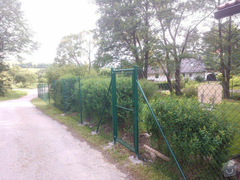 Oplocení zahrady Šebanov: oploceni_Sebanova_dratene_87_bm_2_branky