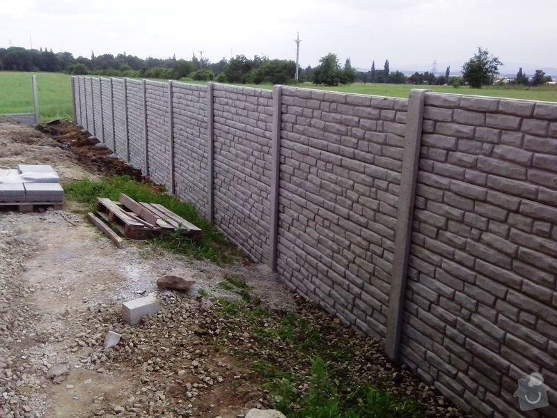 Kompletní oplocení RD Borek u ČB: betonove_oploceni_baculata_cihlicka_Borek_vyska_2_m_58_bm