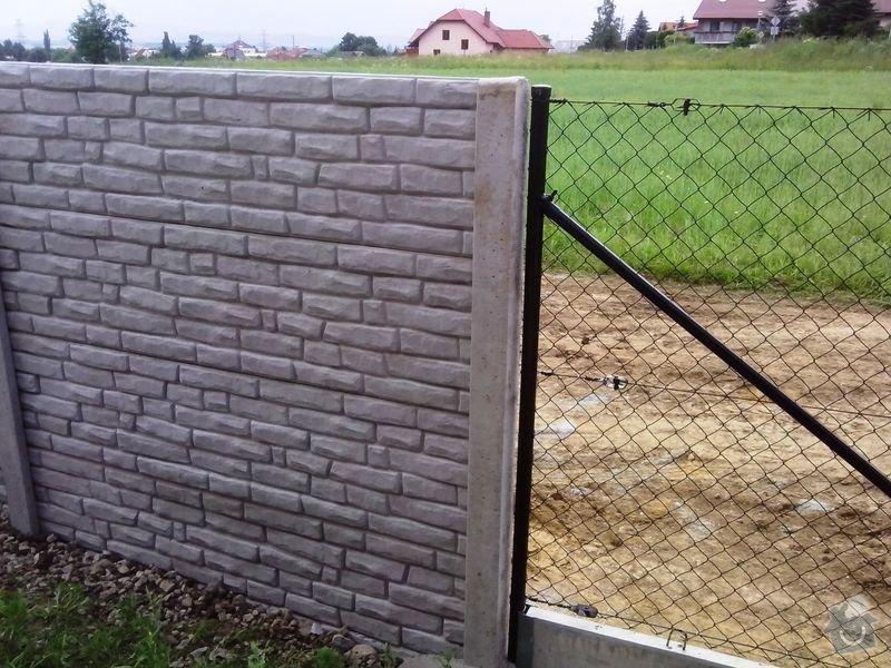 Kompletní oplocení RD Borek u ČB: oploceni_betonove_vzor_baculata_cihlicka_Borek_u_CB