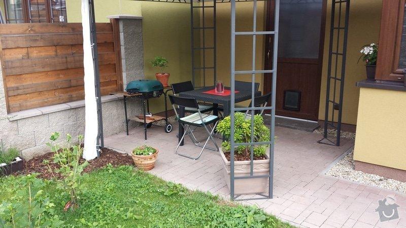 Vybudování dřevěné terasy s chodníčky: 20130701_080714