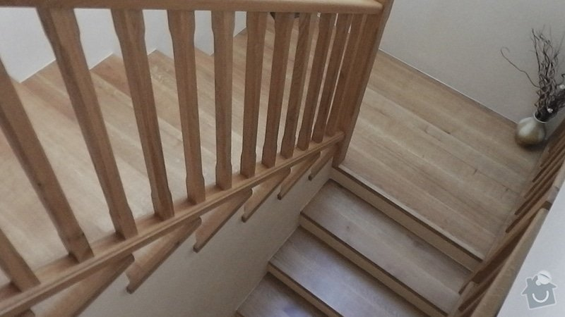 Tesaře pro masivní schodiště: S1190005